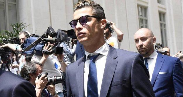 Cristiano Ronaldo Resmi Di Hukum 23 Bulan Penjara