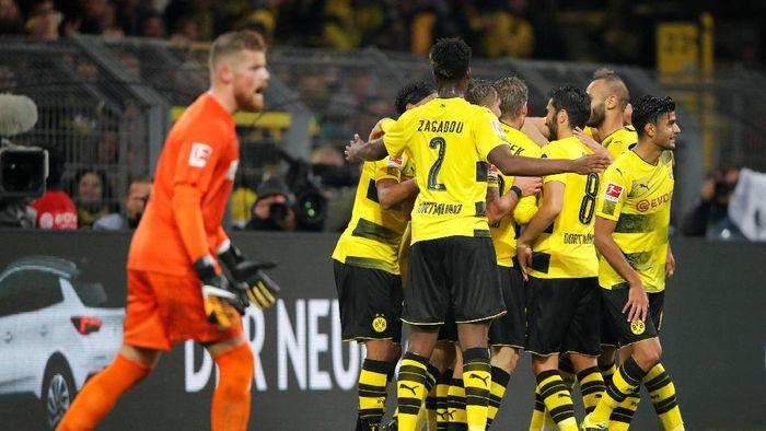 Dortmund Menang Dengan Sulit di Cologne