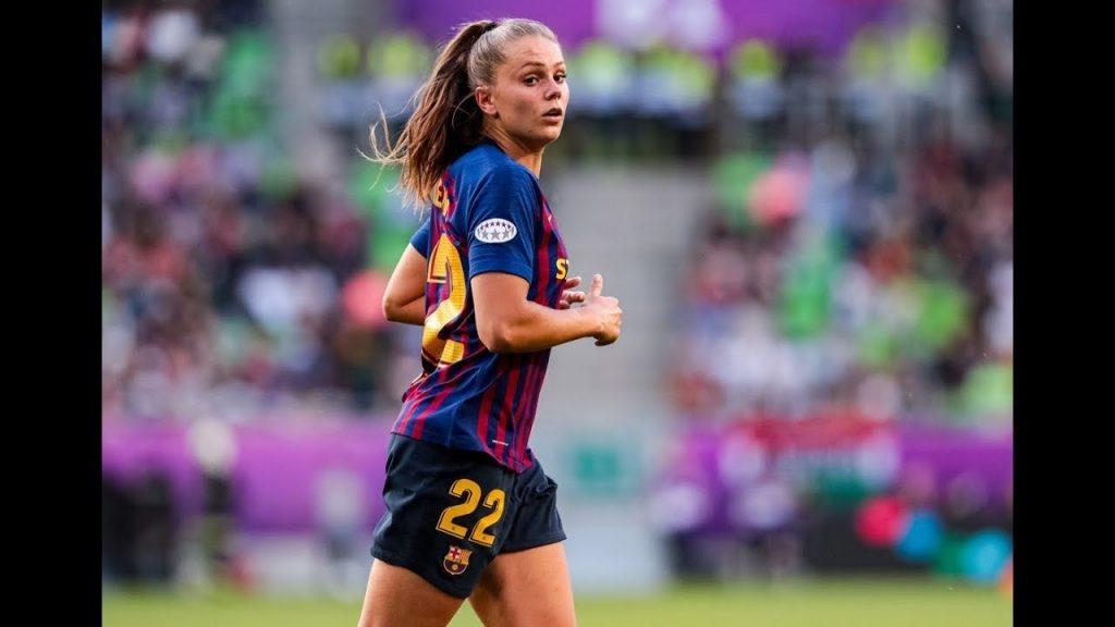 Martens membuat comeback di tempat latihan di FC Barcelona setelah cedera jari kaki