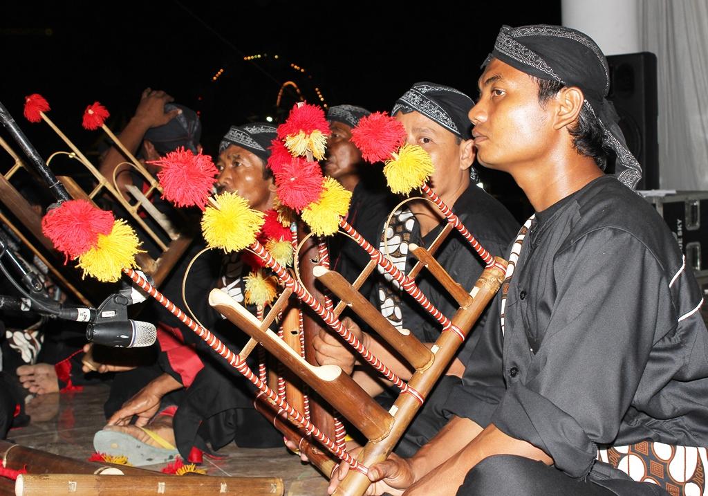 Angklung Reog Alat Musik Khas Surabaya
